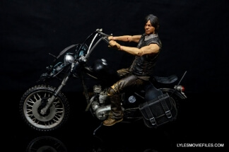 Daryl Dixon Walking Dead deluxe figure -left side on bike