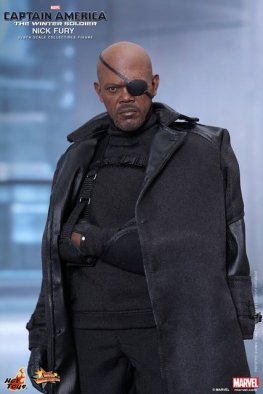 Hot Toys Captain America Winter Solider Nick Fury figure -close up of sling