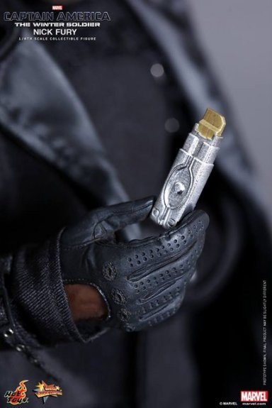 Hot Toys Captain America Winter Solider Nick Fury figure -flash drive close up