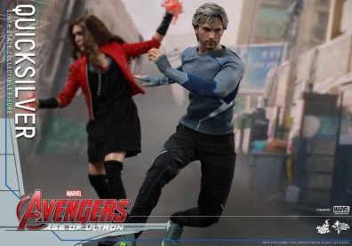 Hot Toys Quicksilver figure -racing off with Wanda