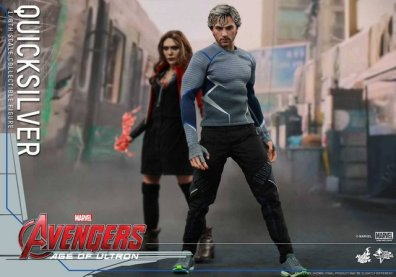 Hot Toys Quicksilver figure - with Scarlet Witch