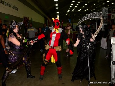 Baltimore Comic Con 2015 cosplay -Deadpool caught in the middle
