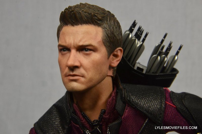 Hawkeye Hot Toys Avengers Age of Ultron - running close up