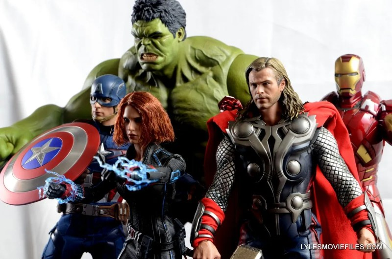 Hot Toys Avengers Age of Ultron Black Widow - Avengers ready for battle