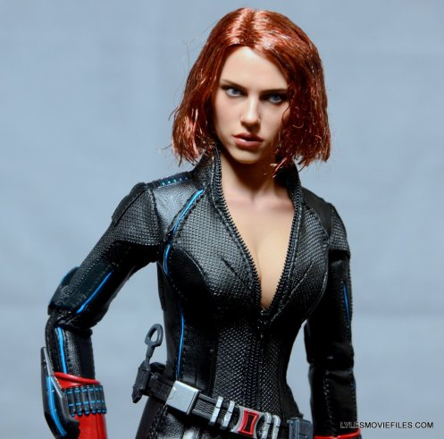 Hot Toys Avengers Age of Ultron Black Widow - close up front