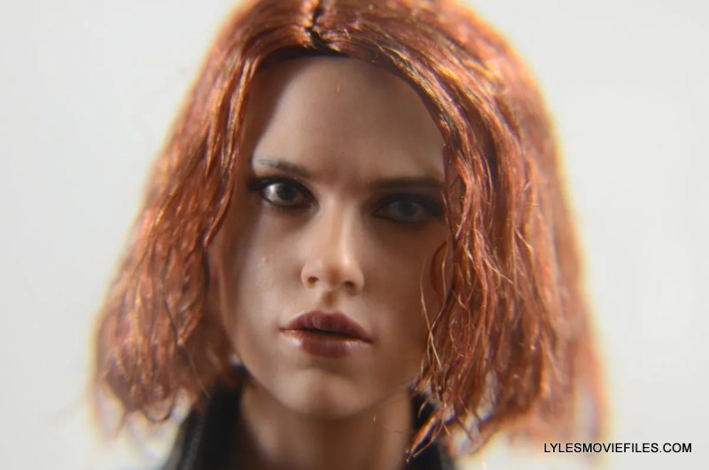Hot Toys Avengers Age of Ultron Black Widow - face close up