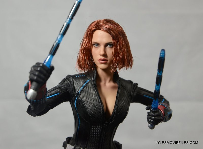 Hot Toys Avengers Age of Ultron Black Widow - raising batons