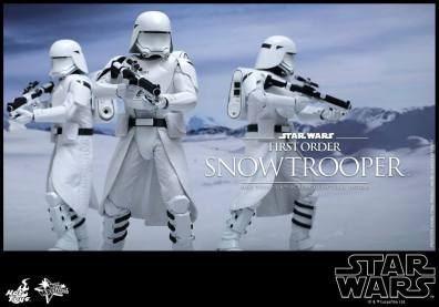 Hot Toys Star Wars Force Attacks - First Order Snowtrooper -on the march