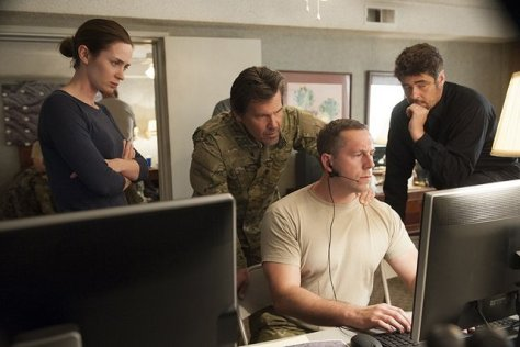 Sicario -Emily Blunt, Josh Brolin and Benecio del Toro