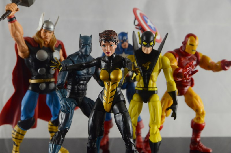 Wasp Marvel Legends figure review - with The Avengers