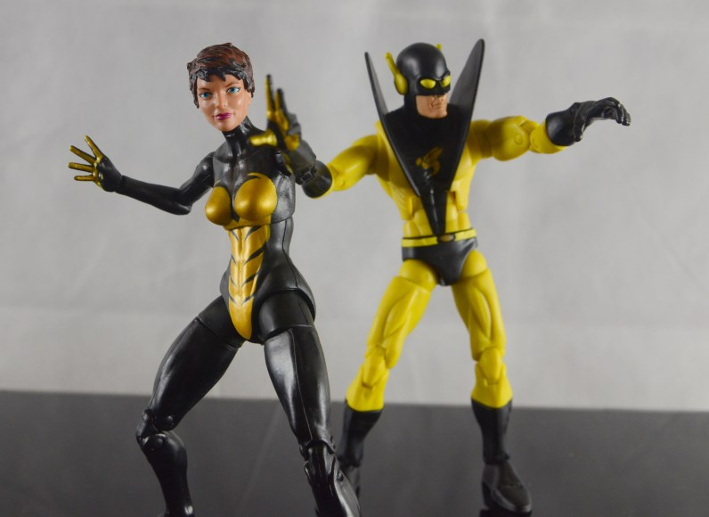 Wasp Marvel Legends figure review - with Yellowjacket
