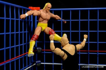 Wicked Cool Toys authentic classic cage -Hogan kicking Bundy