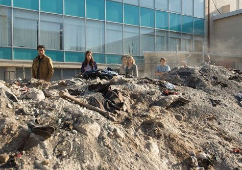 fear-the-walking-dead-episode-6 burial grave