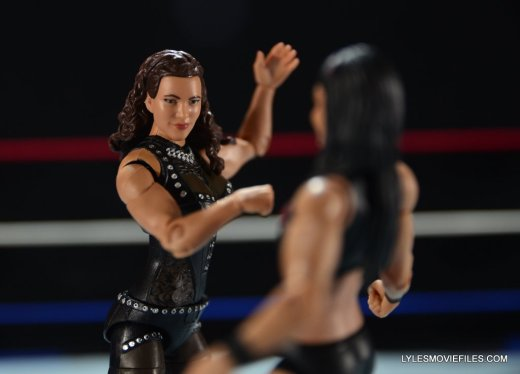 Mattel WWE Elite 37 Stephanie McMahon -ready to slap Brie Bella