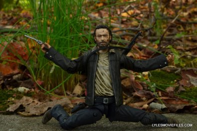 McFarlane Toys Walking Dead Rick Grimes Series 8 -articulation example