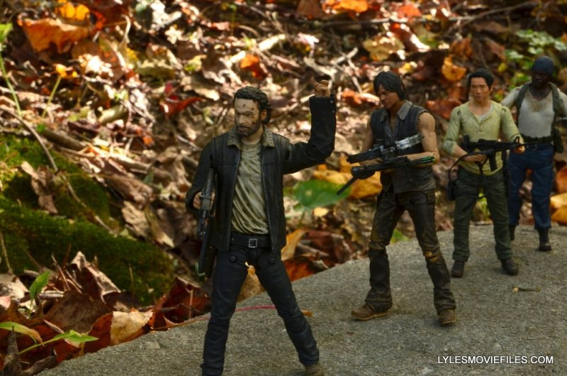 McFarlane Toys Walking Dead Rick Grimes Series 8 -leading Daryl, Glenn and Tyrese