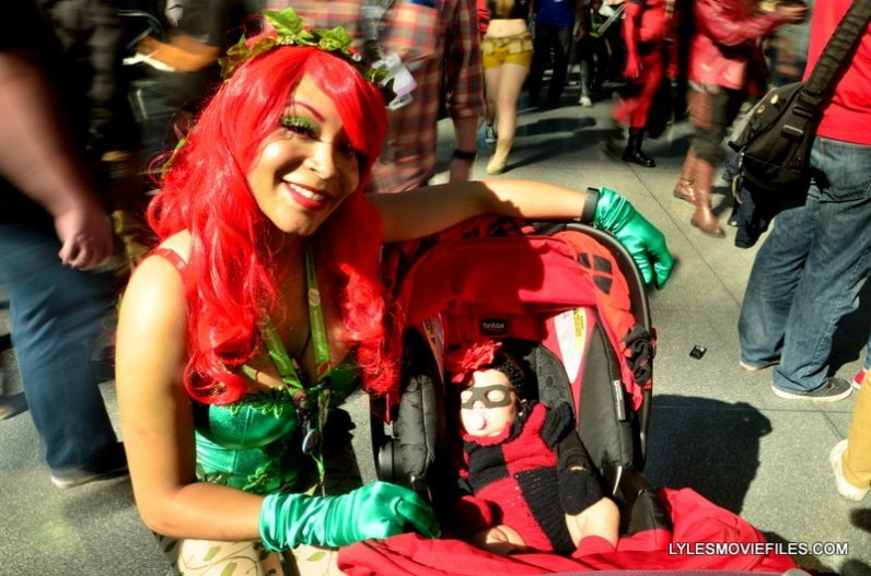 New York Comic Con 2015 cosplay -Poison Ivy and baby Harley Quinn