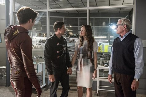 The Flash - The Man Who Saved Central City -Flash, Firestorm, Caitlin and Stein