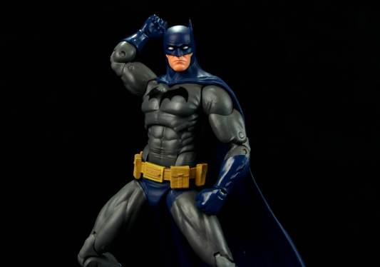 batman-icons-action-figure-last-rites-dcc-fist up