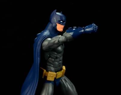 batman-icons-action-figure-last-rites-dcc-punching