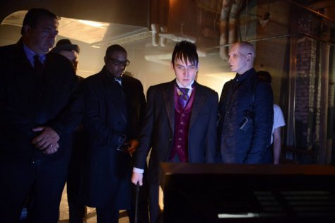 gotham-rise-of-the-villains-mommy's little monster-penguin-and-zsasz