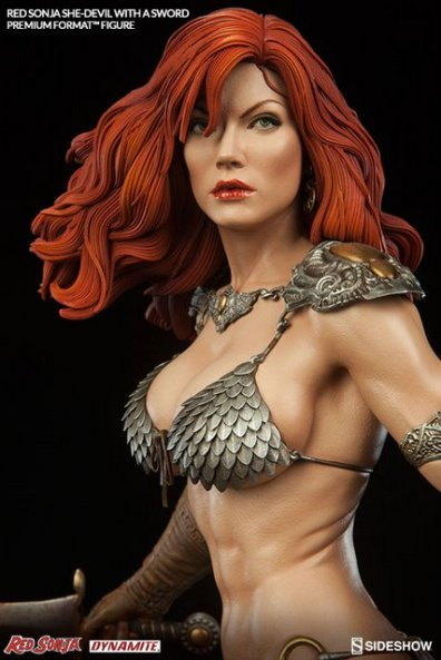 Red Sonja - She Devil with a Sword premium format -close up profile
