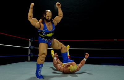 WWE Mattel Earthquake -stomping on Hogan