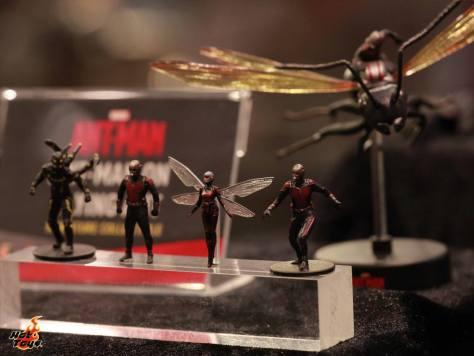 Ant-Man mini Yellowjacket, Ant-Man and Wasp figure Hot Toys
