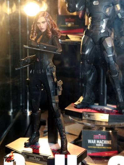 Captain America Civil War Black Widow figure Hot Toys