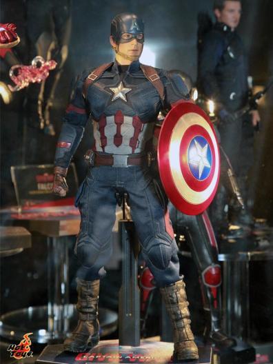 Captain America Civil War Captain America figure Hot Toys