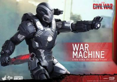 Captain America Civil War - War Machine -aiming at foe