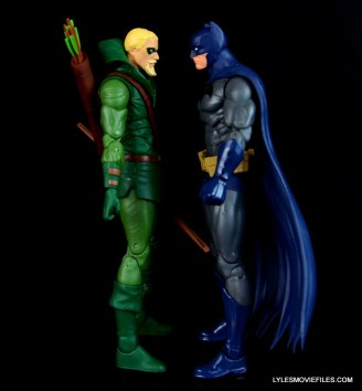 dc-icons-green-arrow-longbow-hunters-figure-review-scale-with-batman