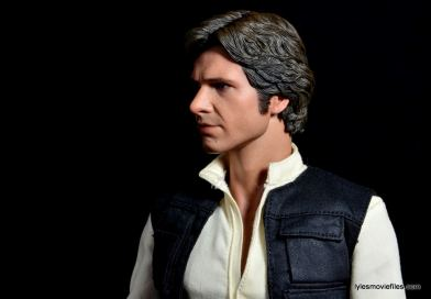 Hot Toys Han Solo and Chewbacca review -Han profile left side
