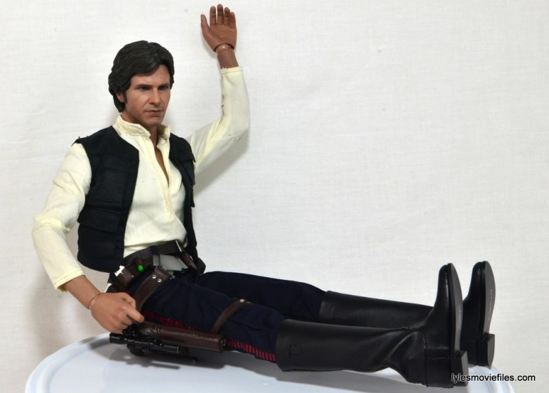 Hot Toys Han Solo and Chewbacca review -Han sitting