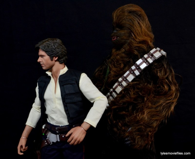 Hot Toys Han Solo and Chewbacca review -standing side