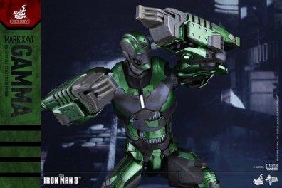 iron-man-gamma-armor-hot-toys-figure-arms-up