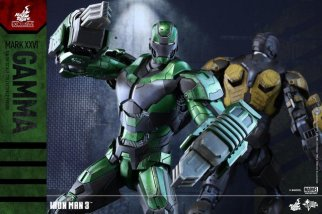 iron-man-gamma-armor-hot-toys-figure-with-armor