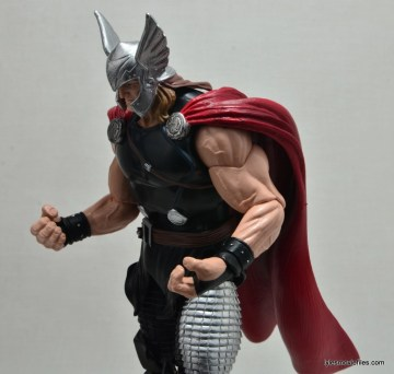Marvel Legends Thor figure review -elbow articulation