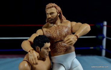 Mattel WWE Heenan Family set action figures review -Big John Studd headlocking Andre the Giant