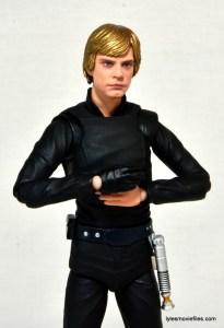 SH Figuarts Luke Skywalker figure review - arms crossed