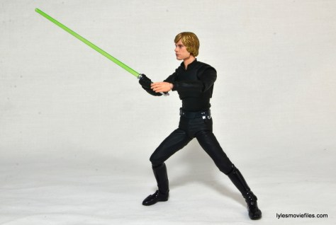 SH Figuarts Luke Skywalker figure review - leading lightsaber