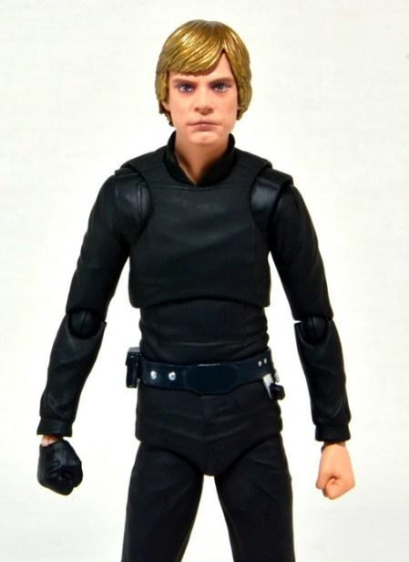 SH Figuarts Luke Skywalker figure review - main wide look
