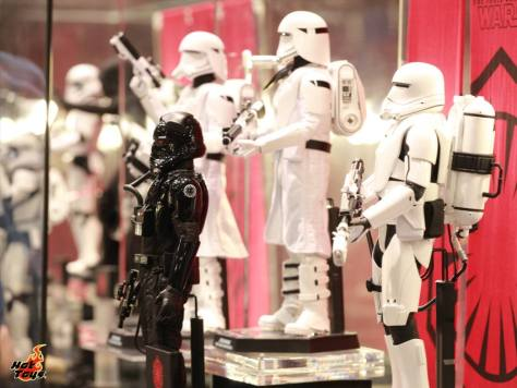 Star Wars Force Awakens Hot Toys stormtroopers