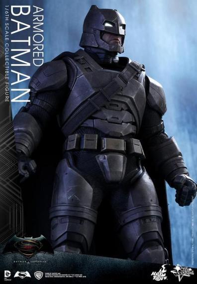 Hot Toys Batman v Superman Armored Batman -long shot of armor