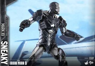 Hot Toys Iron Man Sneaky armor -action ready