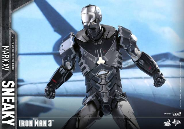 Hot Toys Iron Man Sneaky armor -ready to fly