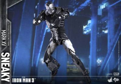 Hot Toys Iron Man Sneaky armor -wide aiming pose