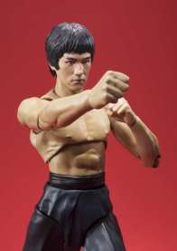 SH Figuarts Bruce Lee - punching