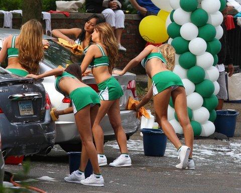 grown-ups-2-cheerleader-car-wash