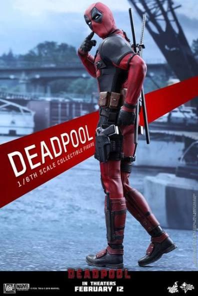 Hot Toys Deadpool figure - who me pose